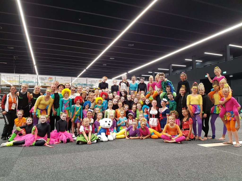 Sportschauteam-des-TSC-Sportensemble-Elsterwerda-Jolly-Monsters-des-TSV-Spandau-Mapin