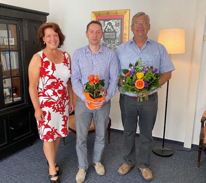 Staffelübergabe in der Bauamtsleitung  v.l. Bürgermeisterin Anja Heinrich, Sebastian Walter und Uwe Schaefer