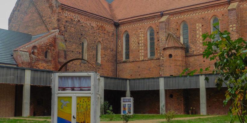 Kreuzgang-Kloster Marienstern Mühlberg-mit-Laternen-im-Advent