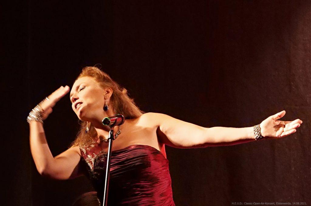 Gesangssolistin Carola Reichenbach (c)