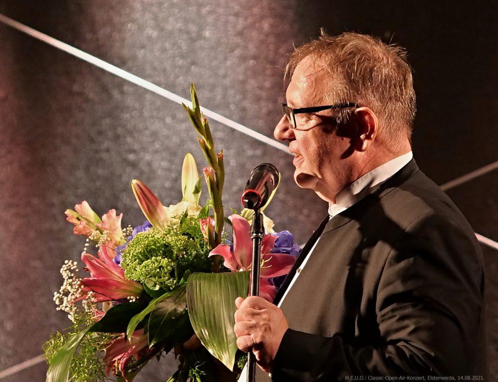 Dirigent Urs-Michael Theus